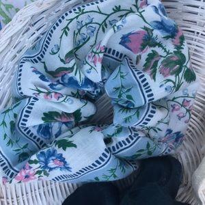 Vintage Accessories - Vintage Scrunchie Set